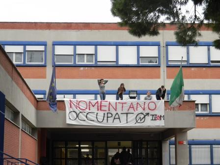 """Read more about the article Scuola, Corbucci (Pd): """"assalto notturno al liceo Nomentano"""""""